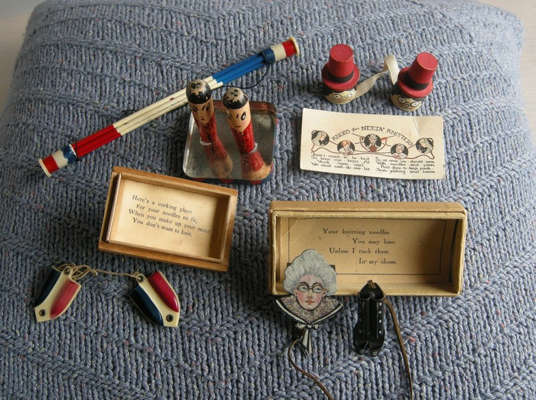 A-History-of-Knitting-Tools-23