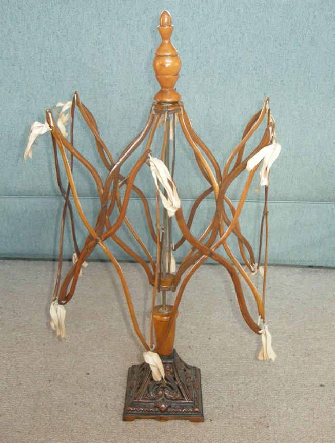 A-History-of-Knitting-Tools-28b