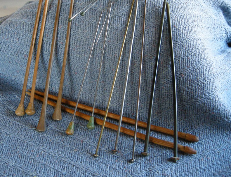 A-History-of-Knitting-Tools-4