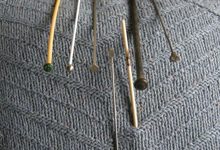 A-History-of-Knitting-Tools-8